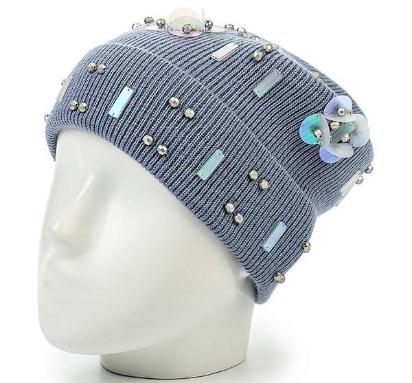 Tejer sombreros de moda. Sombreros de punto con estilo para las mujeres