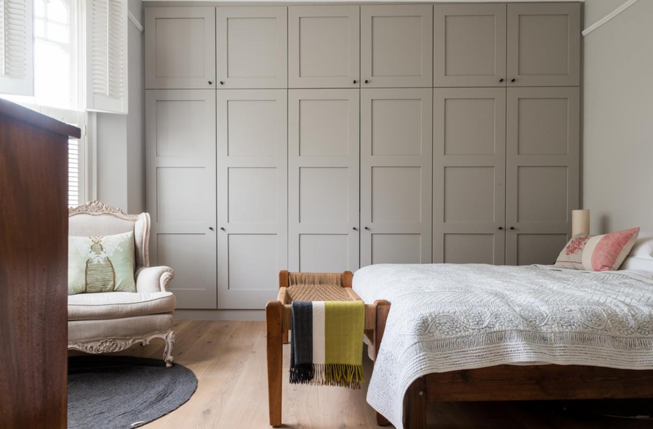 Wat kunnen muren in de slaapkamer zijn. ontwerp en decoratie van de