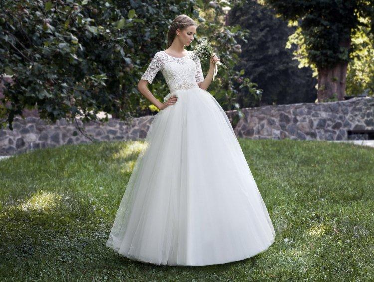 Φόρεμα για το γάμο στην εκκλησία  φωτογραφία. Τι θα πρέπει να είναι ... 3e87aaa9df9